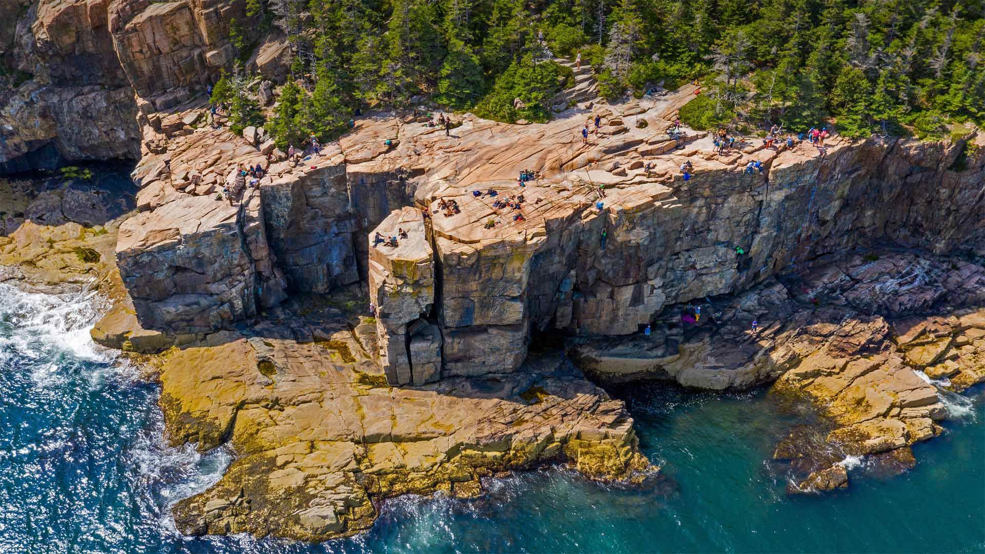 Otter Cliffs, Acadia National Park, Maine, USA (? dbimages/Alamy)