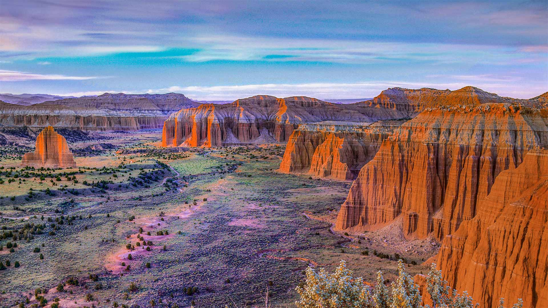 Upper Cathedral Valley, Capitol Reef National Park, Utah, USA (? Tim Fitzharris/Minden Pictures)
