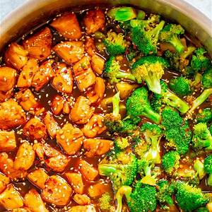 skinny-15-minute-sesame-chicken-and-broccoli-averie-cooks image