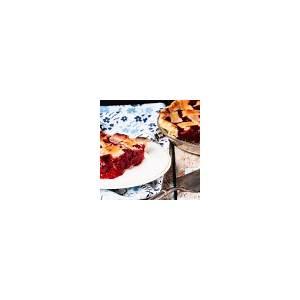 homemade-raspberry-pie-recipe-from-bake-eat-repeat image
