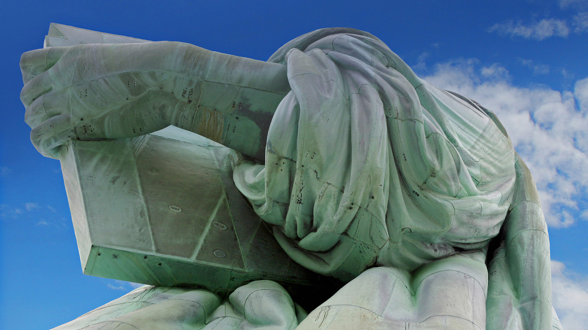 Detail of the Statue of Liberty, on Liberty Island, New York (© Judy Dillon/Getty Images Plus)