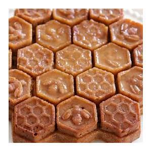 honey-cake-recipe-honeycomb-cake-beehive-cake image
