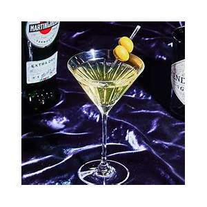 best-dirty-martini-recipe-what-is-a-dirty-martini-cocktail image
