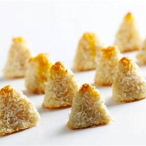 catalan-marzipan-cookies-with-coconut-panellets-de image