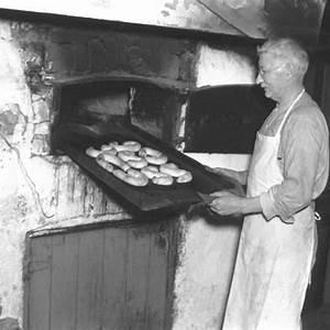 dutch-bakery-iowa-dutch-letters-jaarsma-bakery image