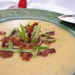 thick-and-creamy-potato-bacon-soup image
