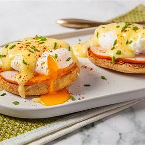 classic-eggs-benedict-the-spruce-eats image