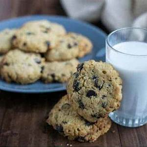 coconut-flour-chocolate-chip-cookies-keto-low-carb-yum image