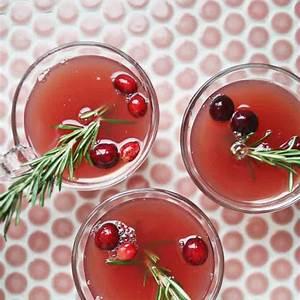 mistletoe-punch-a-beautiful-mess image
