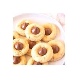 thumbprint-hershey-kiss-cookies-for-christmas-easy image