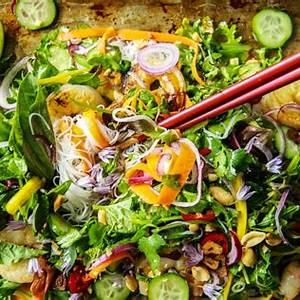 spicy-spinach-vietnamese-shrimp-noodle-salad-earthbound-farm image