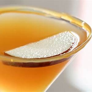 caramel-apple-martini-easy-and-delcious-cocktail image