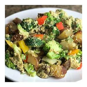 broccoli-breakfast-scramble-with-peppers-and-onions-whole30 image