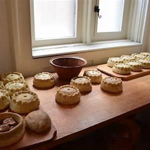 tudor-meat-pies-food-time-machine image