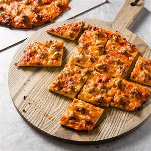 chicago-thin-crust-pizza-cooks-country-quick image