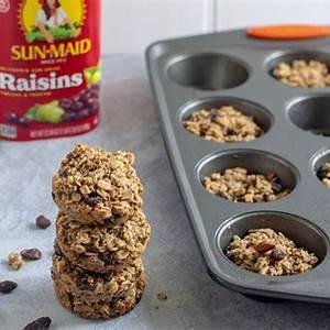 chocolate-chip-raisin-oatmeal-cups-sun-maid image