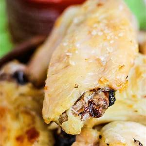 crispy-baked-chicken-wings-using-the-convection-setting image