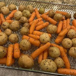 how-to-cook-air-fryer-carrots-5-delicious image