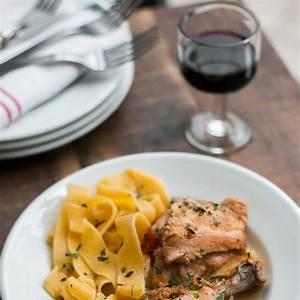 chicken-cooked-in-red-wine-vinegar image