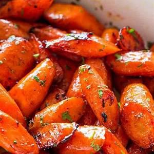 honey-garlic-butter-roasted-carrots-glazed-carrots image