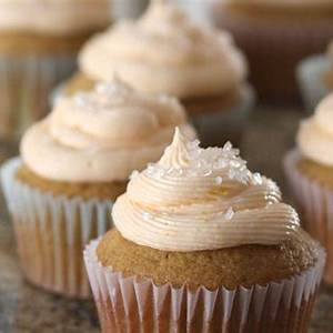 orange-frosting-recipe-for-cakes-and-cupcakes image