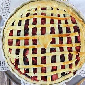 apple-and-cherry-pie-the-perfect-way-to-finish-off-your image