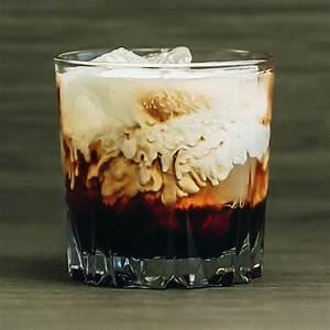 white-russian-cocktail-recipe-liquorcom image