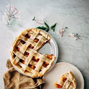 bourbon-and-brown-sugar-peach-pie-hummingbird-high image
