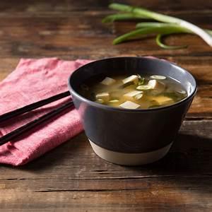 basic-miso-soup-quick-and-easy-hikari-miso-1 image