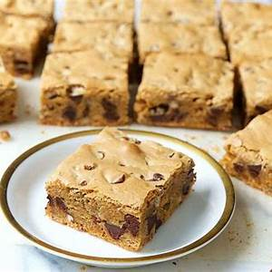 chewy-chocolate-chip-cookie-bars-king-arthur-baking image
