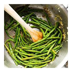 easy-sauted-green-beans-savory-nothings image