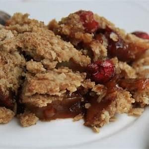 apple-crisp-with-cranberries-a-thanksgiving-dessert image