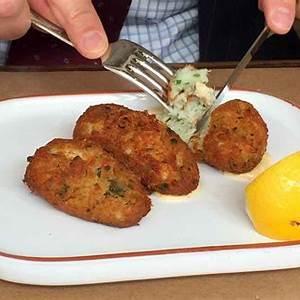 pastis-de-bacalhau-salt-cod-fritters-leites image