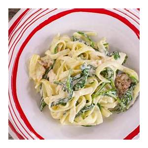 sunny-andersons-easy-chicken-and-spinach-fettuccine image