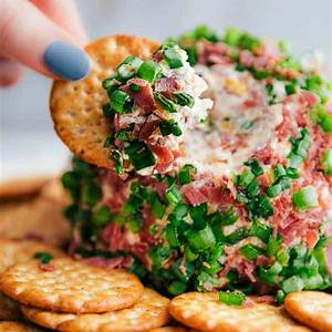 easy-chipped-beef-cheese-ball-the-recipe-critic image