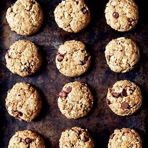 hazelnut-oatmeal-chocolate-chip-cookies image
