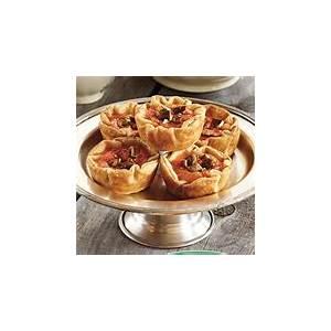 sweet-potato-maple-and-pecan-tarts-foodland-ontario image