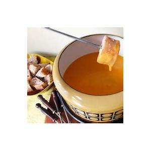 fondue-queso-and-10-other-gooey-melty-ways-to-get-your image