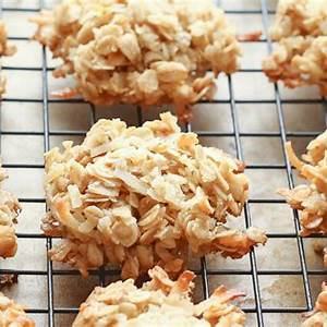 coconut-lovers-oatmeal-cookies-barefeet-in-the-kitchen image