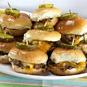 quick-and-easy-recipe-for-delicious-mini-cheeseburger image