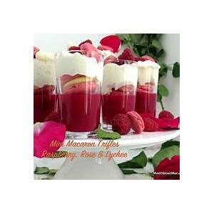 mini-macaron-trifles-ispahan-style-mad-about image