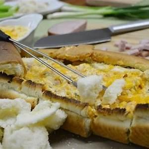 bread-pot-fondue-recipe-cheesy-bread-bowl-dip image