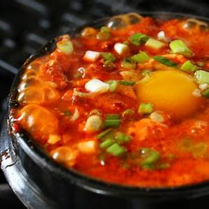 sundubu-jjigae-순두부찌개-spicy-soft-tofu-stew-with image