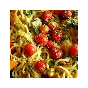 spaghetti-in-garlic-gravy-with-herbs-and image