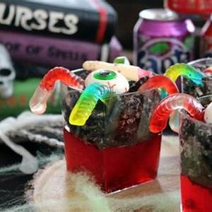 halloween-graveyard-jello-dessert-scrappy-geek image