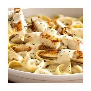 olive-gardens-chicken-fettuccine-alfredo-recipe-peoplecom image