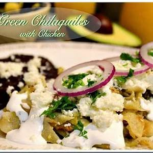 chilaquiles-verdes-with-chicken-authentic-mexican-food image
