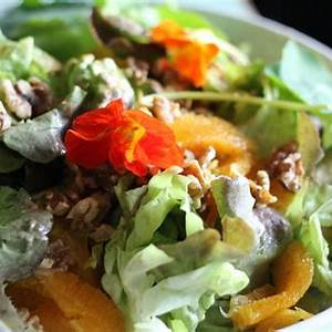 moroccan-green-leaf-orange-salad-relish-mama image