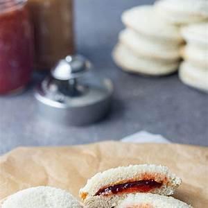 freezable-homemade-uncrustables-make-ahead-meal image