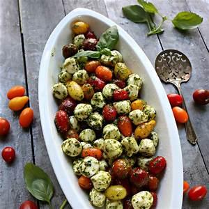 party-caprese-salad-recipes-perfect-for-outdoor-picnics image